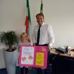 Siegerin Leni Kaup und Bürgermeister Dr. Martin Mertens