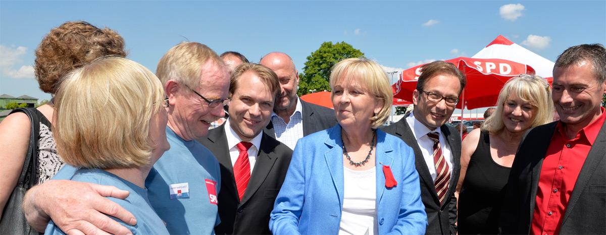 Martin Mertens und Hannelore Kraft (Mitte) am CaP in Rommerskirchen
